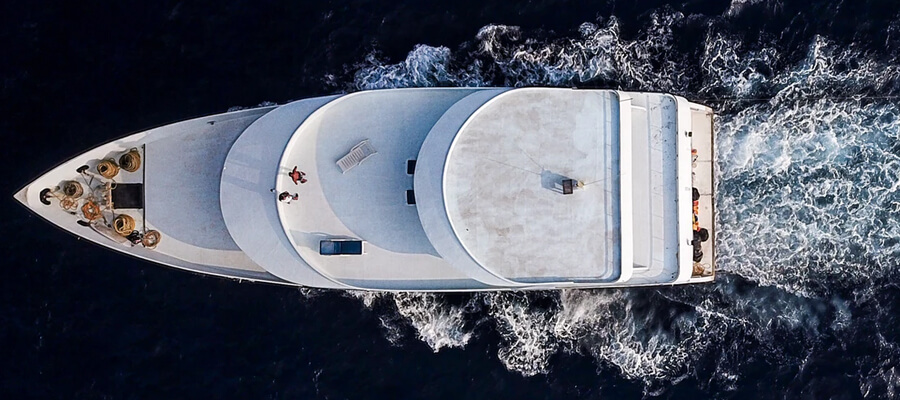 Featured image 6 Common Types of Model Boats You Can Find Deck boat - 6 Common Types of Model Boats You Can Find